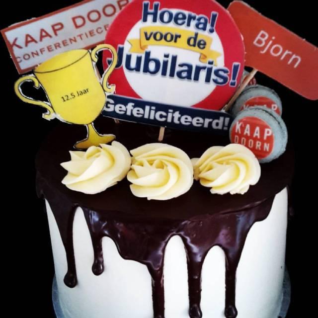Gefeliciteerd Bjorn 125 jaar bij Kaap Doorn jubileum dripcake mascaponehellip