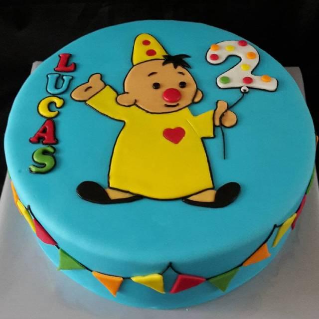 Happy Birthday Lucas Gevuld met mascapone en aardbeien jam verjaardagstaarthellip