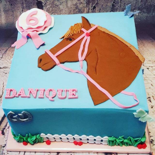 Hiep Hiep hoera Danique 6 jaar Deze taart is gevuldhellip