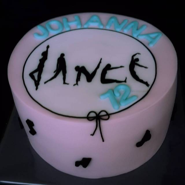 Happy Birthday Johanna verjaardagstaart girl happybirthday johanna dance instacake instacakedesignhellip