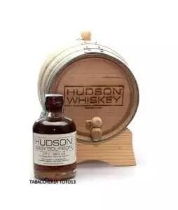 bottiglia di whiskey baby bourbon by hudson e botte