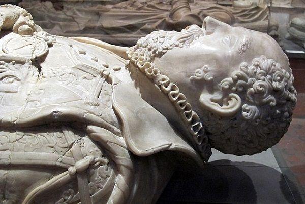 Paso Honroso - tumba de Don Suero