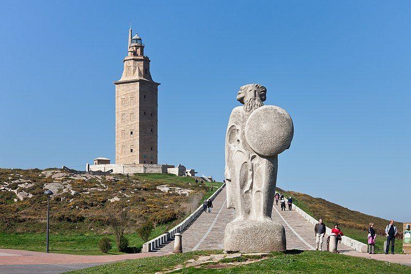 Milesianos - Torre de Hércules y estatua de Breogán
