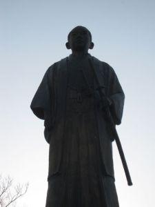 橋本佐内像