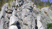 慶州西岳里磨崖石仏