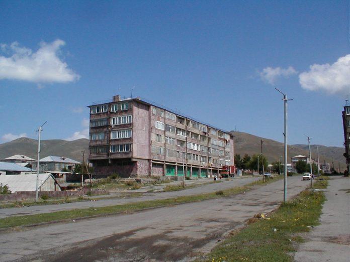 Stadt Sewan...Typisches, aus Tuff gebautes Haus