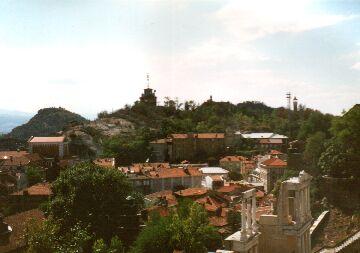 Römische Ruinen und einer der Hügel