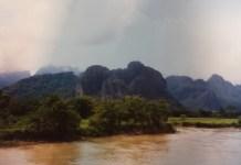 Fluss und Karstberge bei Vang Vieng