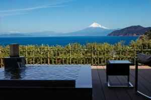 世界遺産 富士山を望む宿 富岳群青 写真