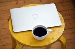 laptop-1367298_640-300x196
