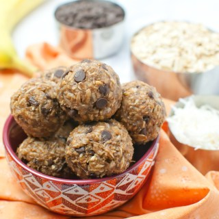 chocolate-banana-energy-balls (3)