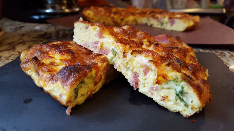 "Cheesy Ham and Egg ""Pie"""