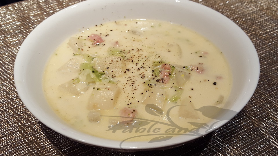 Broccoli Soup with Ham and Swiss