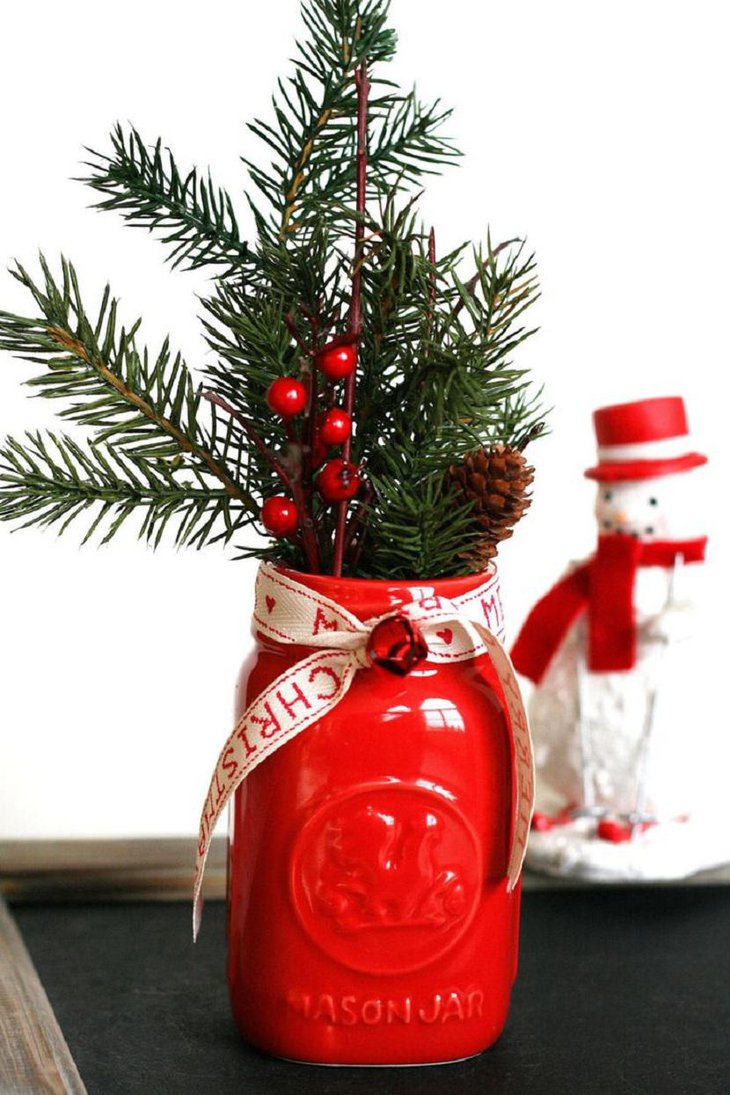 37 Exquisite Mason Jar Christmas Centerpieces Table