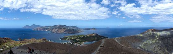 800px-View_from_Vulcano,_Aeolian_Islands,_Sicily