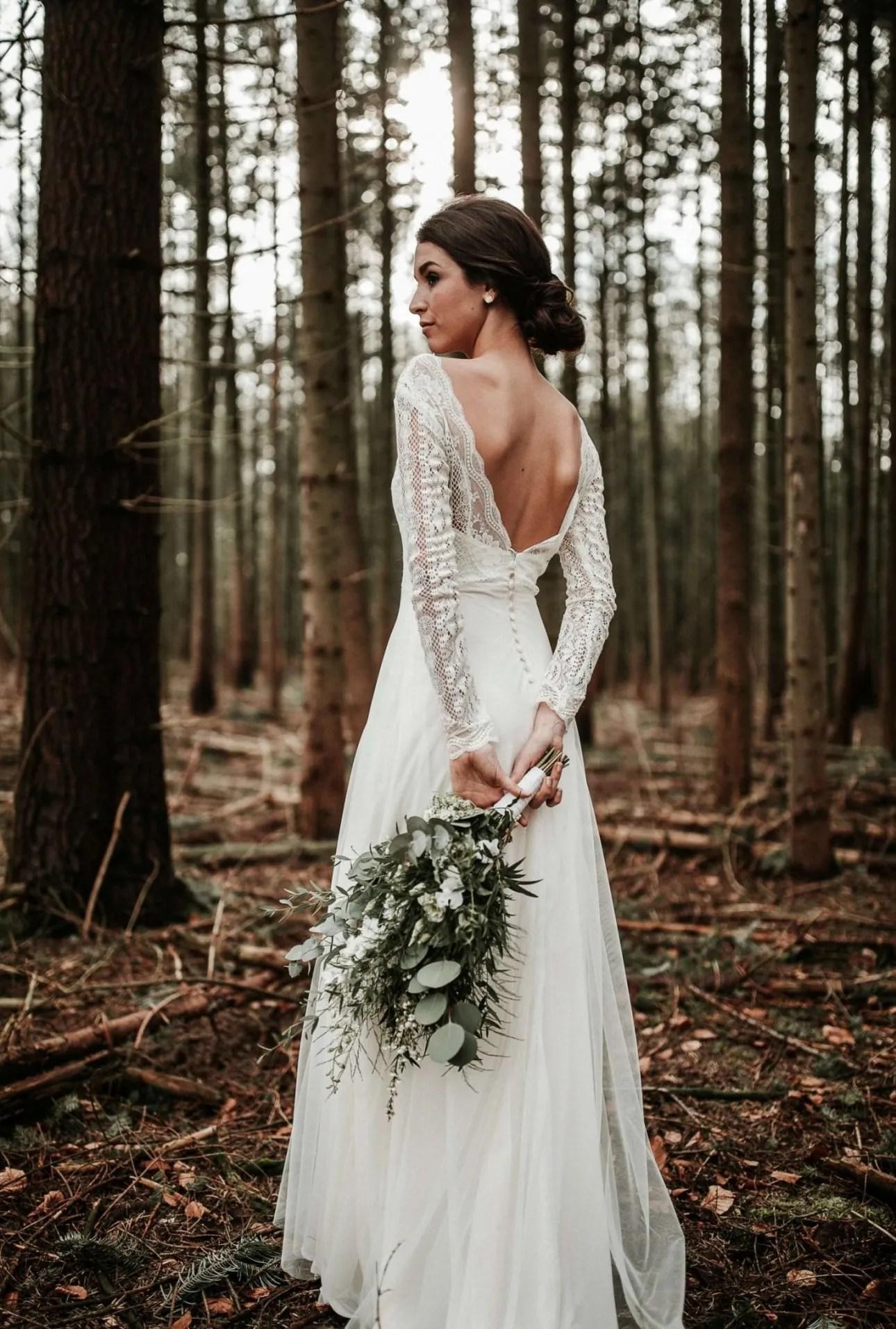 Minimalistische bruiloft minimal wedding bruidsboeket bruid bos styling www.tablemoments.nl