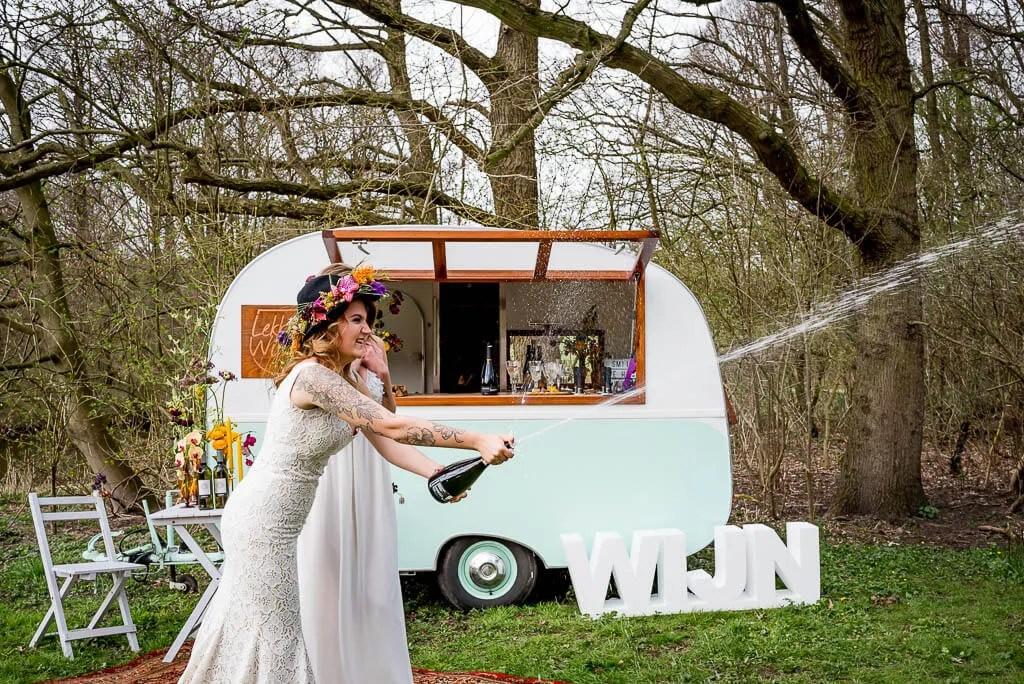 vintage festival wijnbar bruiden. Tafelstyling Table Moments