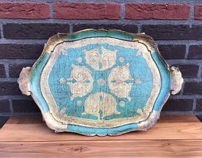 Vintage houten dienblad huren