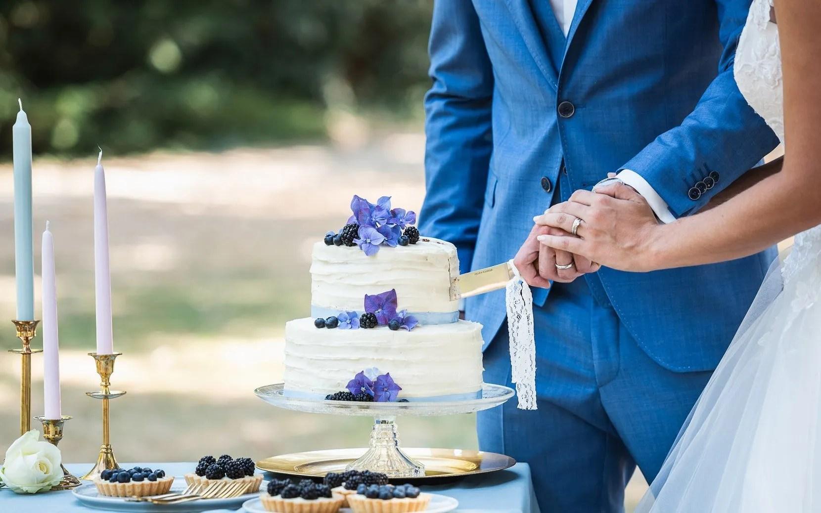 ceremoniemeester taart aansnijden inhuren