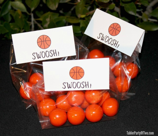 Super cute Basketball Party Favors with Printable Tags | Tabler Party Of Two | TablerPartyOfTwo.com