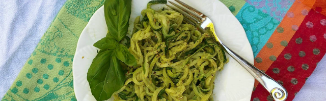 Zoodles with Avocado Pistachio Pesto