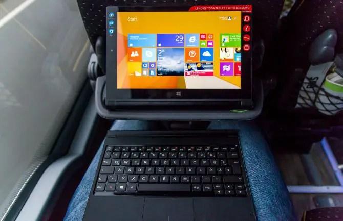 Lenovo Yoga Tablet 2 Tastaur Cover auf dem Schoß