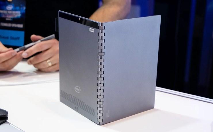 Intel Tiger Rapids Prototyp