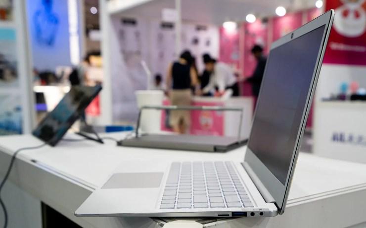 Jumper EZBook X4 Anschlüsse