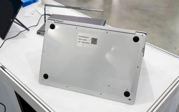 Jumper EZBook X4 SSD Slot