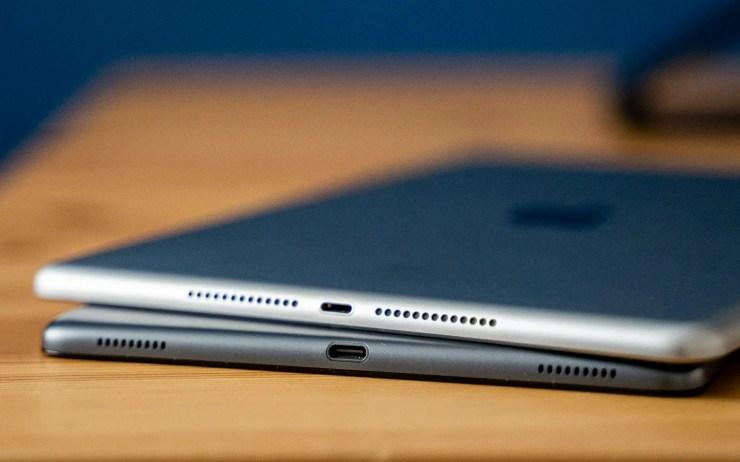 iPad vs Galaxy Tab A 2019 Ports