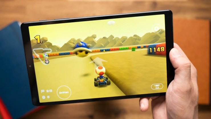 Samsung Galaxy Tab A7 Lite mit Super Mario Kart