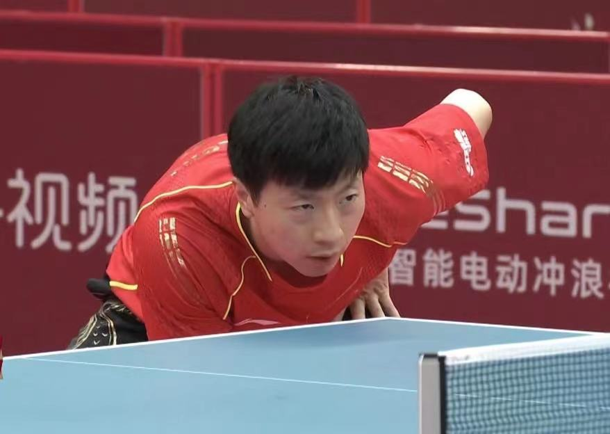 what is the ready stance for playing table tennis?