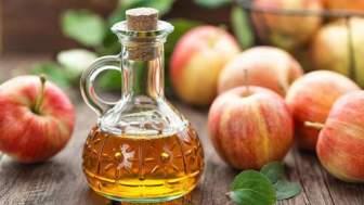 Resserrer les pores grâce au vinaigre de cidre de pomme