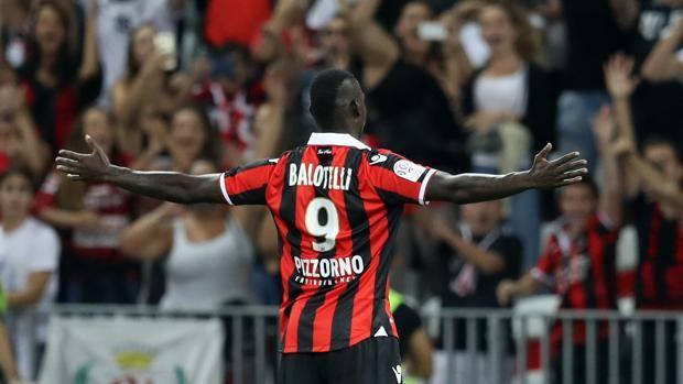 Balotelli al primo gol con la maglia del Nizza