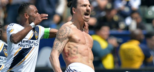 Ibrahimovic-la-galaxy-celebration