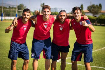 Cagliari players training