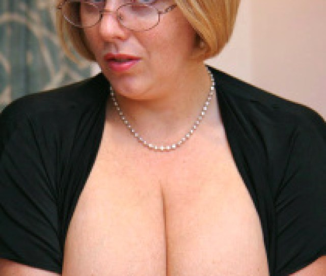 Curvyclaire The Original British Big Boobed Amateur Porn Queen Claires Hh Natural Boobs Have
