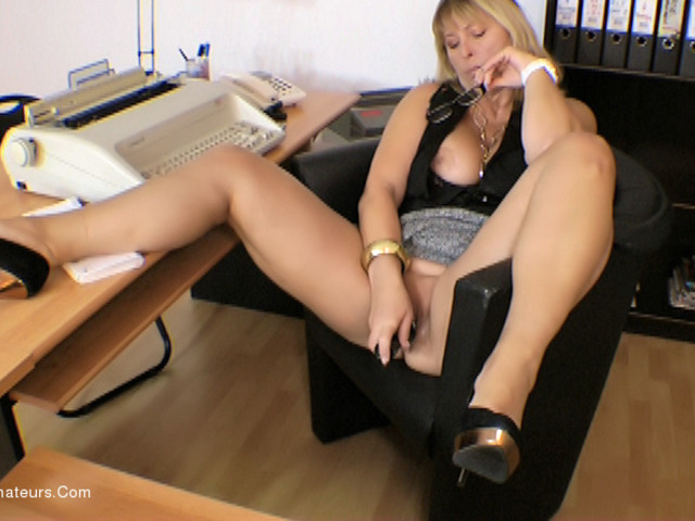 NudeChrissy - Chrissy In Her Office
