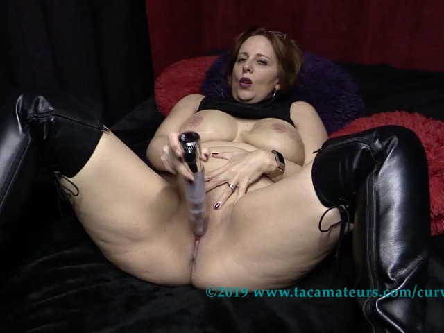 CurvyClaire - Thighboot Dildo Fun Pt1
