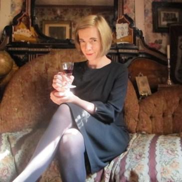 LUCY WORSLEY: A VERY BRITISH MURDER