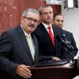 Gobernador adjudica a su administración arresto de policías corruptos