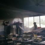 Bomberos sofocan fuego en salón de escuela en Bayamón