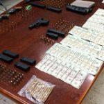 Policía diligencia arrestos por drogas en área metro