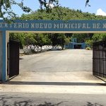 Escalan Cementerio Municipal de Naguabo