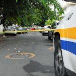 Asesinan a tiros a un hombre frente a una ferretería en Juana Díaz