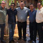 """""""Johnny"""" Méndez se reúne con alcaldes de Lares y Adjuntas para discutir trabajos de recuperación"""
