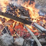 Tips On Building The Perfect Fire Pit For Camping or Survival