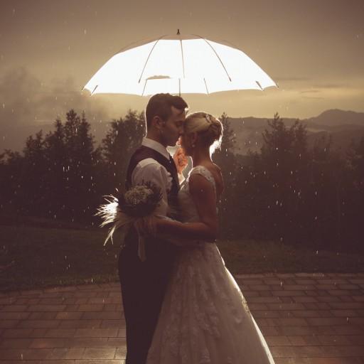 cropped-41-porocni-fotograf-destination-wedding-photographer-bride-groom-slovenija-ljubljana-zenin-nevesta-poroka-fotografiranje-poroke-bled-slovenia-hochzeitsreportage-hochzeitsfotografhochzei-41.jpg