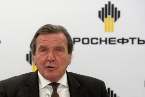 Gerhard schroeder fu uno dei primi occidentali a entrare in un board russo