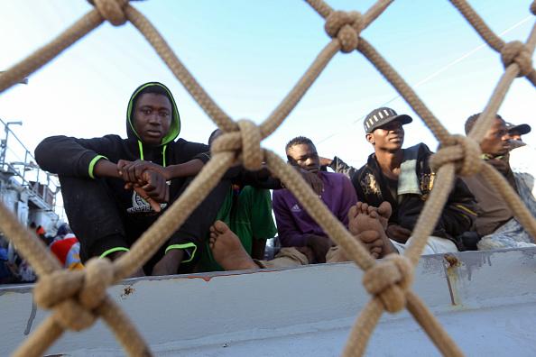 Il parlamento ha votato compatto: l'Italia continuerà a pagare i miliziani e la guardia costiera libica per limitare gli sbarchi